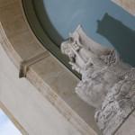 Beeld Sint Petrus bij Chateau Petrus
